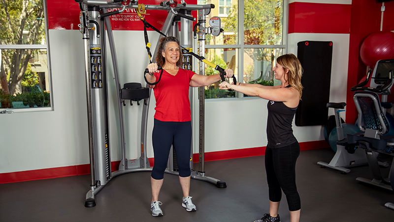 ACE Fitness   TRX Forward Step with Alternating Arms 1