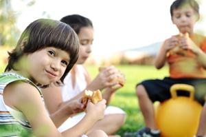 children snacking