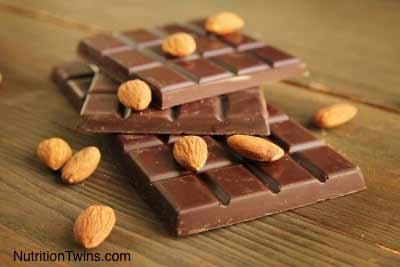 Dark Chocolate and Almond Granola Bar Squares