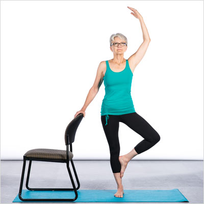elizabeth kovar  ace fit life  7 chair yoga poses for