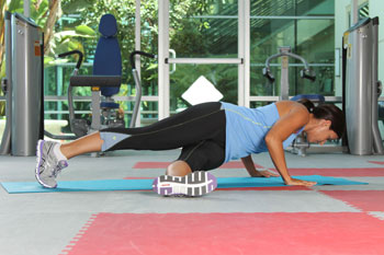 Push-ups with twist