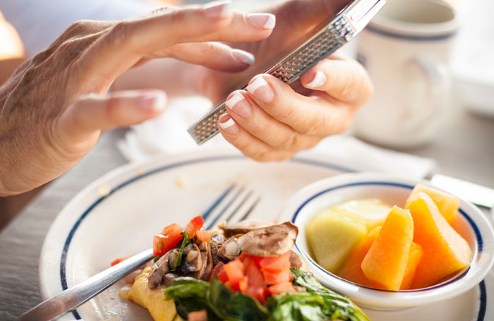 5 Nutrition and Diet Apps to Get You Through the Holidays