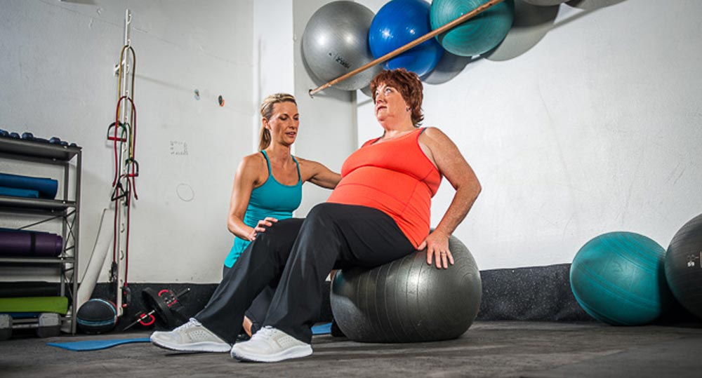 trainer and obese client