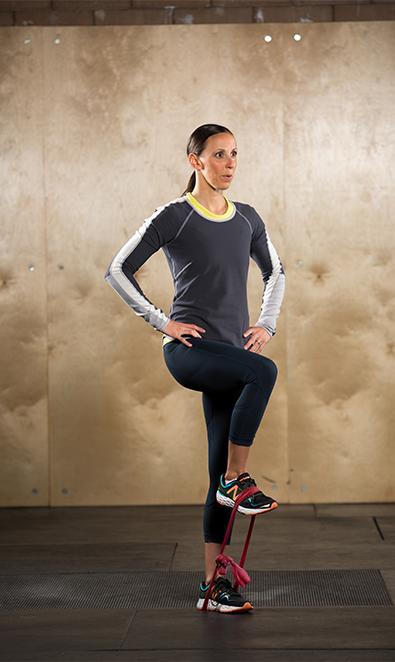 isometric-standing-hip-flexion