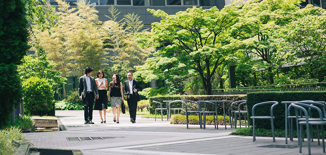 How Walking Meetings Improve Productivity