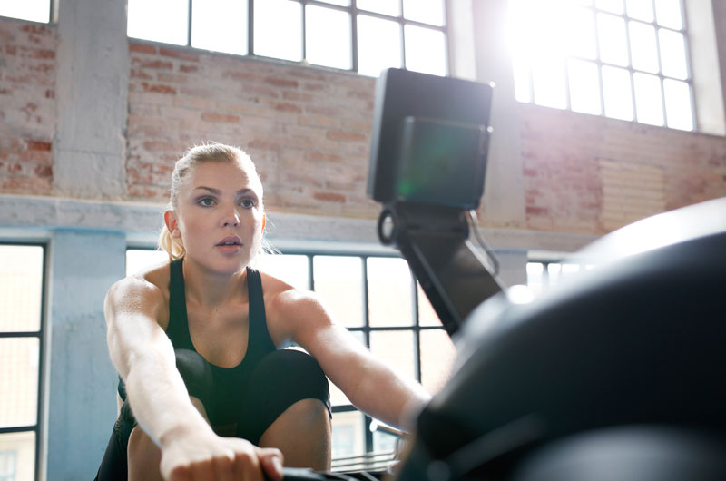Reap the Benefits of Rowing With 3 Fast and Efficient Workouts