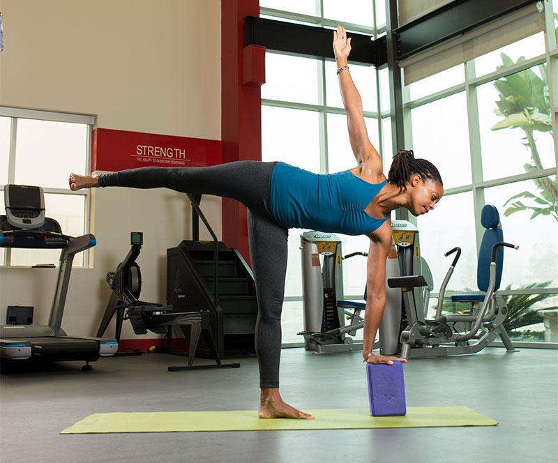 ardha-chandrasana-yoga-blocks