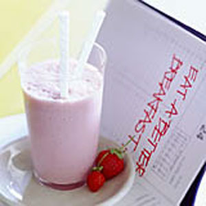 Strawberry-Almond Smoothie