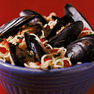 Spaghettini with Steamed Mussels